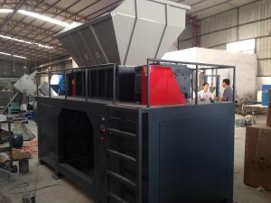 China plastic pallet shredder /wood pallet shredder with dust collector on sale