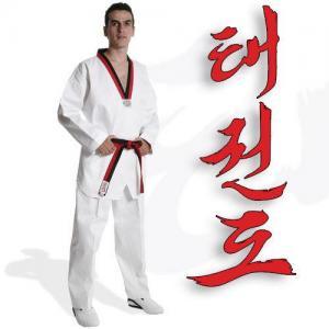 China Taekwondo Uniform on sale