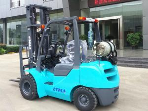 China Dual Front Tires Sit Down Propane Forklift Indoors With 6000mm Triplex Mast on sale