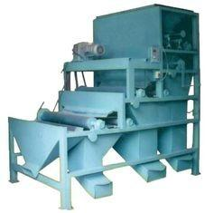 China High Speed Magnetic Iron Ore Separator / Electromagnetic Dry Powder Machine on sale