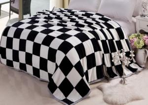 China Big size coral fleece bed sets cover with grid printed , life comfort fleece sheet set on sale