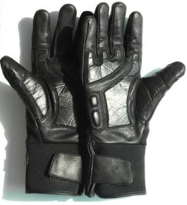 China Taser gloves, safe, take 2 seconds to start the engine, release immediately, safe to human on sale