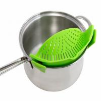 Universal Silicone Pot And Pan Strainers , Clip On Silicone Strainer With Handle Holder