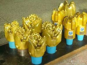 China 3 Blades High Hardness Water Well Drill Bits with Steel Body on sale