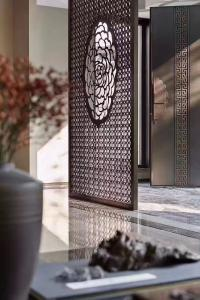 China Buy From Foshan Factory Mirror Gold Stainless Steel Partition Screen With Laser Cutting on sale