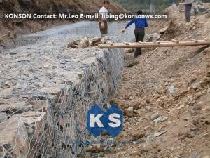 China Cerca hexagonal de la red de la malla de alambre de la estructura fuerte para la protección del camino on sale