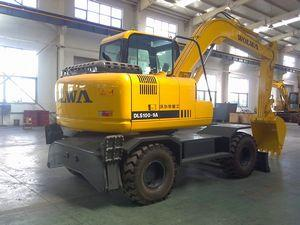 China Crawler Excavator Moving Type and Overseas service center available After-sales Service Provided on sale