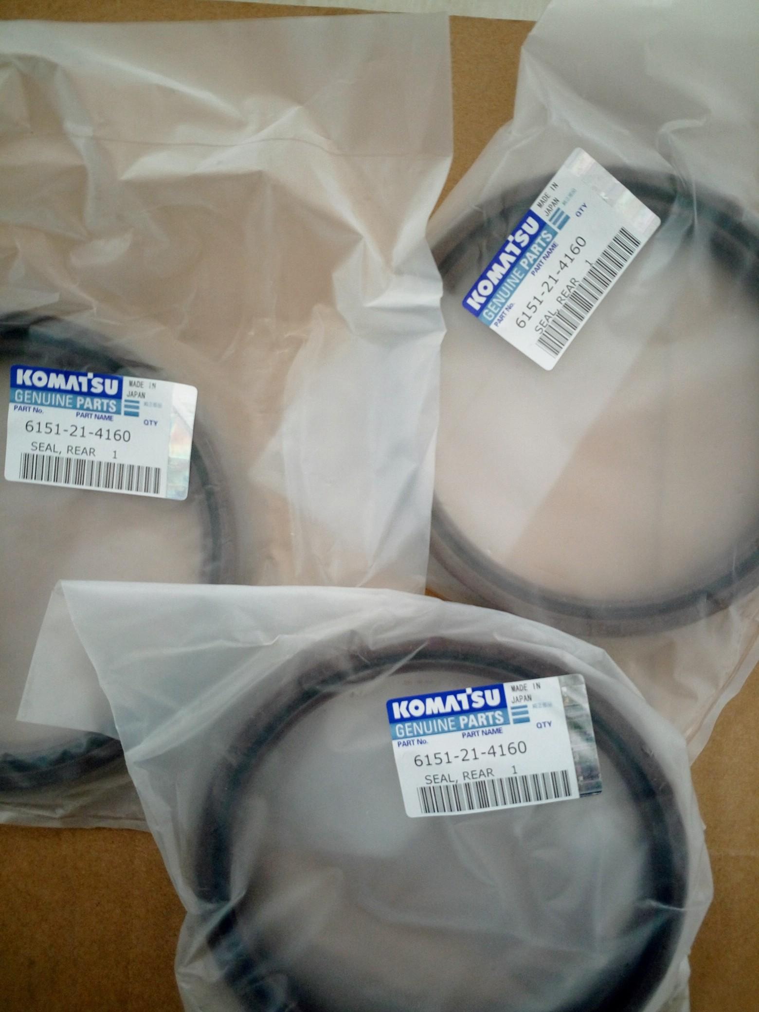 komatsu D65-12 D85-21 ENGINE 6D125 FLYWHEEL HOUSING oil seal 6151-21