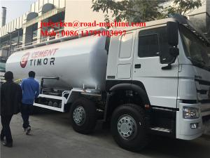 China 8x4 30CBM Dry Bulk Cement Powder Tank Liquid Tanker Truck Manual Transmission on sale