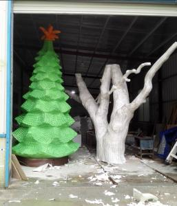 China customize size fiberglass green large christmas tree  as decoration statue in garden /shop mall/ supermarket on sale