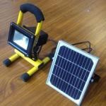 Luz de inundación recargable portátil del LED con el panel solar