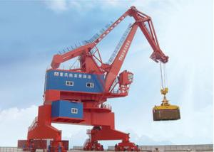 China Pedestal Mounted Port Container Crane High Efficiency For Container Lifting Yard on sale