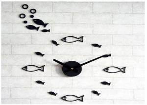 China Cutely Fish Shape Reverse Wall Clock Movements For Home Decoration on sale