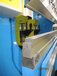 China Customized Amada , tokyo , komats bending dies for hydraulic press on sale