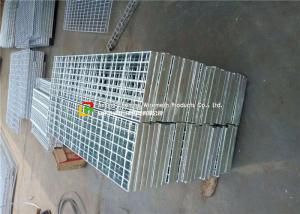 China Stair Tread Serrated Steel Grating Custom Width HDG Surface Treatment on sale