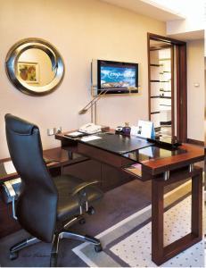 executive suite hotel furniture wood office desk sr 032 for sale