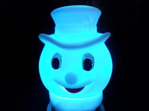China Le crâne de Holloween dirige la batterie de clignotant de bouton du jouet AG13 de décoration de bonhomme de neige de LED on sale