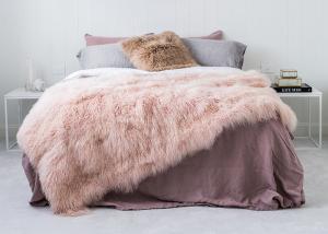 China Genuine Tibetan Sheepskin Throw For Queen Size Bed, Soft Sheepskin Fur Blanket  on sale