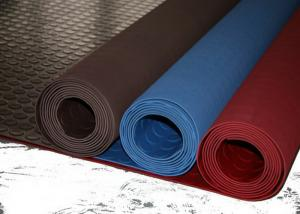 China Red Industrial Rubber Sheet Top Round Button , Bottom Impression Fabric Non Slip on sale