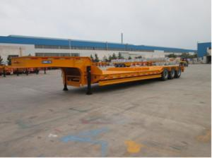 China HOWO Tractor Head Low Bed Trailer Flatbed Truck Trailer For Excavator on sale