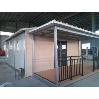 Steel Prefab Flat Roof House Fireproof With Sandwich Panel Wall