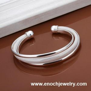 China Stylish Latest 925 sterling silver fashion bangle for baby on sale