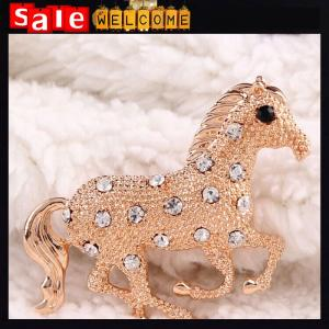 China Crystal Rhinestone Golden Horse Brooches Fashion Apparel Brooch Pin Jewelry Gift Wholesale on sale