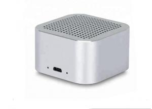 China Home Theatre Small Powerful Bluetooth Speaker , Battery Powered Speaker 10m RF Range on sale