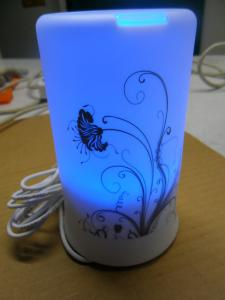 China 卓上の加湿器、青い導かれたライトが付いている超音波精油の拡散器 on sale