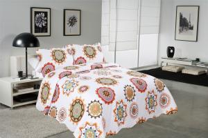 Quality Sun Flower Pattern Printed Quilt Set Needle Punched Cotton Bedspread And for sale