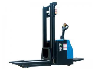 China Pedal Operation Electric Stacker Truck 2 Ton High Capacity 4.5m Lifting on sale