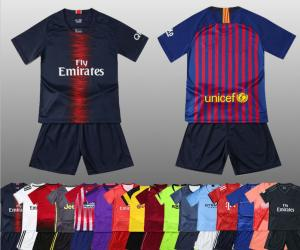 China Custom kids soccer jersey full kit with socks football jersey for kids on sale