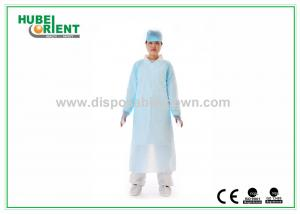 China CPE Disposable Protective Gowns , Waterproof CPE Gown with Thumb loop on sale