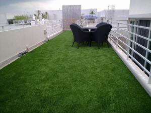 China Simulation Green Home Lawn Artificial Grass Turf Outdoor Sports Facilities on sale
