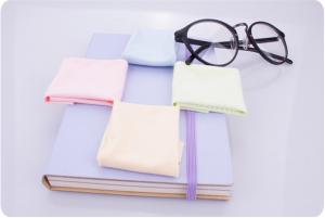 China Mobile Phone / Eyeglass Cleaning Cloth , Microfiber Lens Cleaning Cloth For Glasses on sale