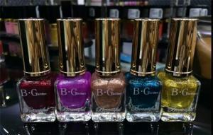 China Non Toxic Shiny Glitter Customized Nail Polish With Long Lasting Colors on sale