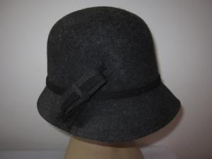 China Fashion Mixed Grey Wool Felt Hats / Cloche Winter Felt Hat For Ladies And Girls on sale