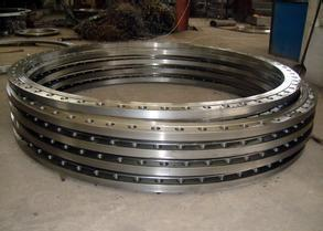 China Hot rolled carbon steel flat welding flange for pipe and tube end on sale