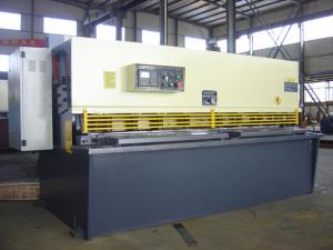 China Hydraulic CNC Guillotine Swing Beam Shear , 32*2500 / 32*3200 on sale