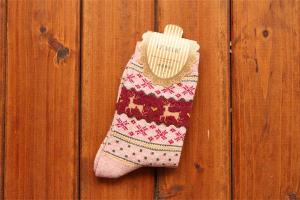 China 2015 Hot selling christmas deer patterned design wool socks for women on sale