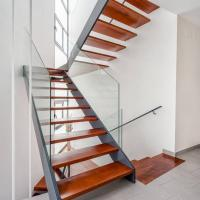 China Low Cost Double Stringer Staircase For House With Professional Design on sale