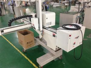 China Disposable Fork Knife Spoon Pick And Place Robot With Fully Automatic Packing System on sale