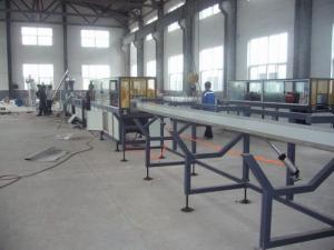 China Machine automatique d'extrusion de profil de PVC avec le matériel accessoire, certificat de la CE on sale
