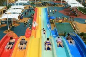 China Classic Adult Rainbow Race Water Park Slide / Water Sports Equipment on sale