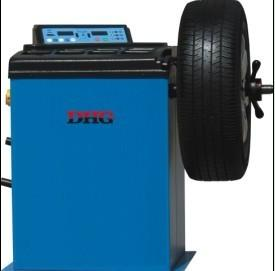 China Digital Car Wheel Balancing Machine / Wheel Alignment and Balancing Equipment on sale