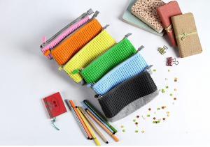 China Factory price silicone DIY pencil case ,silicone pixel pencil bag, silicone pencil case on sale
