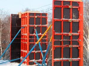 China Adjustable Custom Concrete Column Formwork with Risist compresion 5000kgs on sale