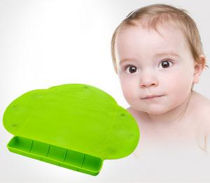 China Mother Good Helper Silicon Baby Feeding Mat , Baby Placemat With Tray Of Green on sale