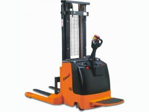 China CE XEK15 Electric Straddle Stacker on sale