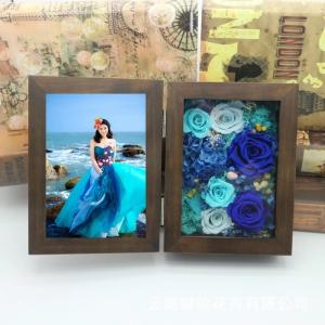 China Luxury Gift Walnut Wood Photo Frame Preserved Flower Photo Frame For Lover Home Decoration on sale